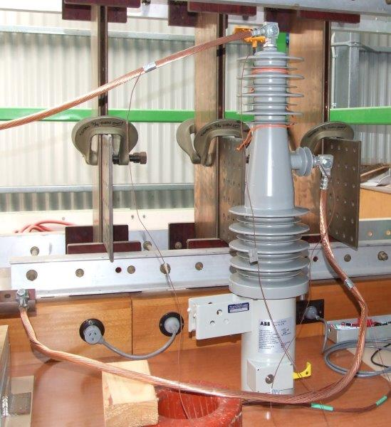 Temperature-rise measurements on a high voltage switch