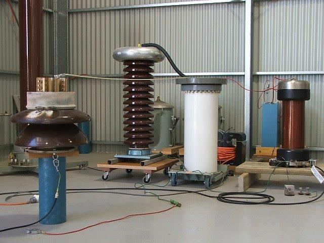 High voltage leakage and withstand tests on a high voltage post insulator