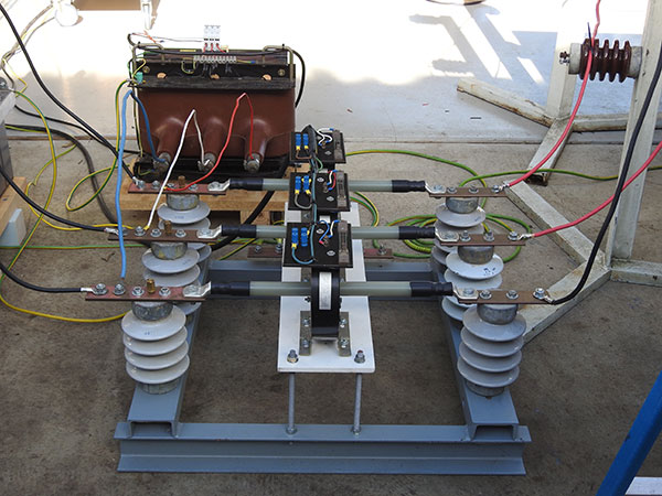 High voltage motor no-load test voltage and current transformers