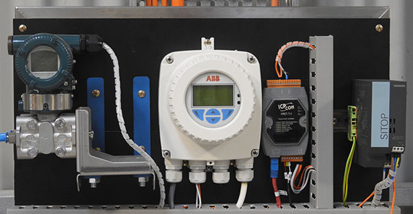 Swimming pool pump pressure and flow measuring equipment
